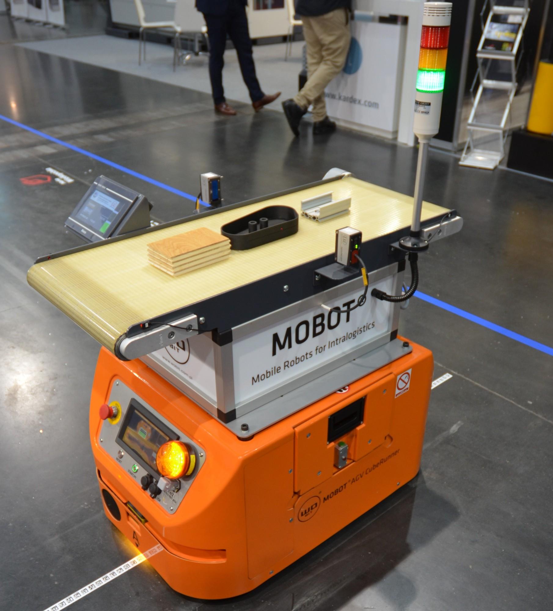 Kontrola jakości detalu podczas transportu robotem mobilnym