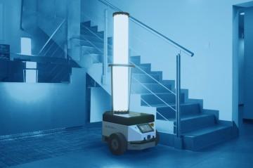 Dlaczego dezynfekować zapomocą światła UV-C? Idlaczego warto zatrudnić dotego robota mobilnego?