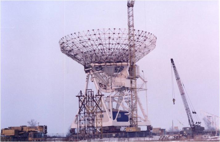 WObit zaprogramował konfigurację urządzeń do precyzyjnego pozycjonowania 30-metrowego radioteleskopu, dostarczył odpowiedni sprzęt, a także opracował i wdrożył urządzenia odczytujące pozycję teleskopu. Już wtedy zastosowano najnowsze osiągnięcia techniki (przetworniki kodowe o rozdzielczości 19 bitów, łącza światłowodowe). Urządzenie funkcjonuje do dziś umożliwiając naukowcom prowadzenie badań.