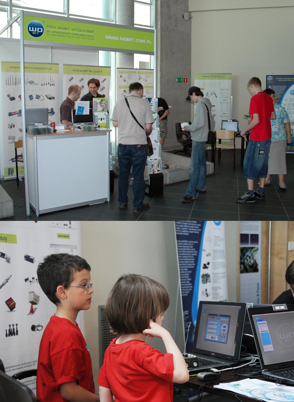 WObit wspiera młodzież i prezentuje roboty podczas zawodów CybAirbot na Politechnice Poznańskiej.